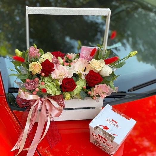 Цветы в ящике с рафаэлло