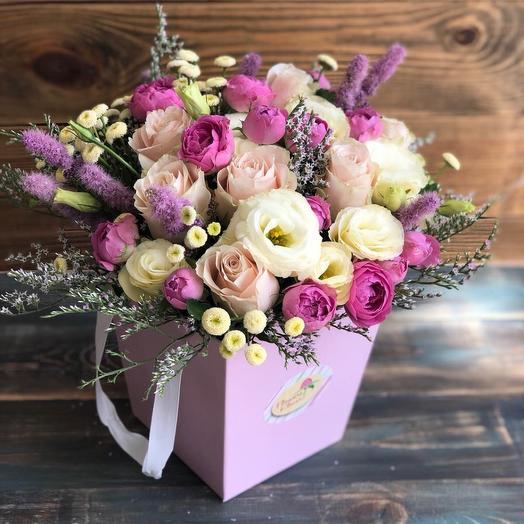 Коробка с пионовидной розой