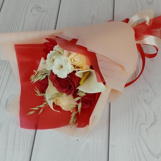 Букет из мыльных калл и роз