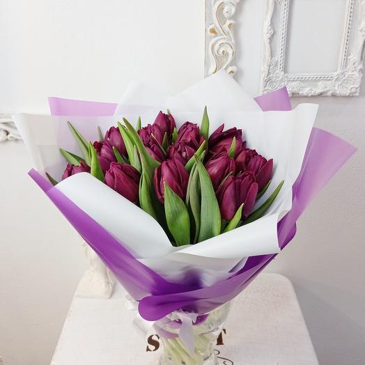 15 тюльпанов винного цвета