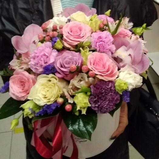 """Цветы в коробке """"Пинк Карина """""""