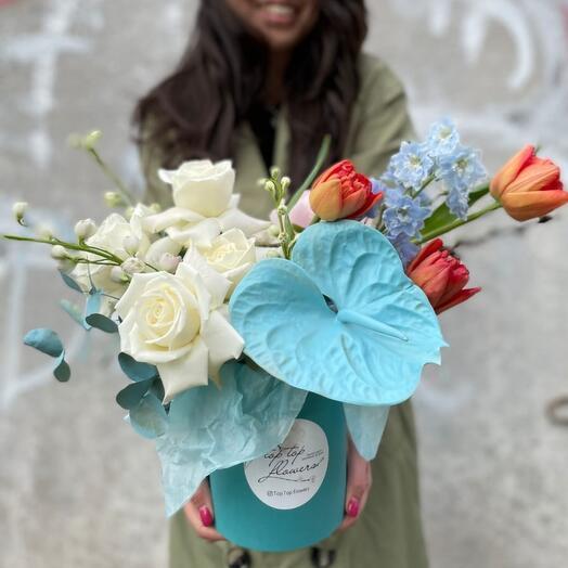 Цветы в коробке Экстравагантый подарок