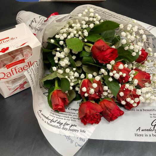 Алые розы и рафаэлло 🍓