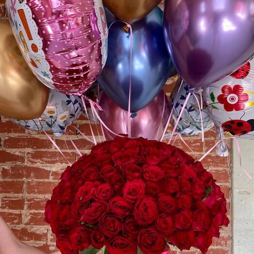 101 роза и охапка шаров