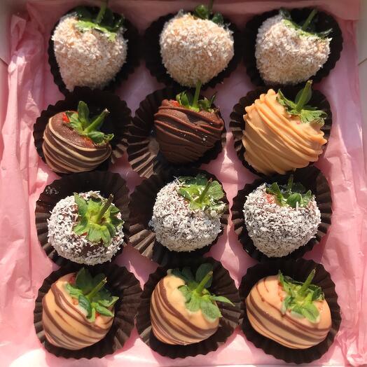 Клубника в шоколаде в коробке