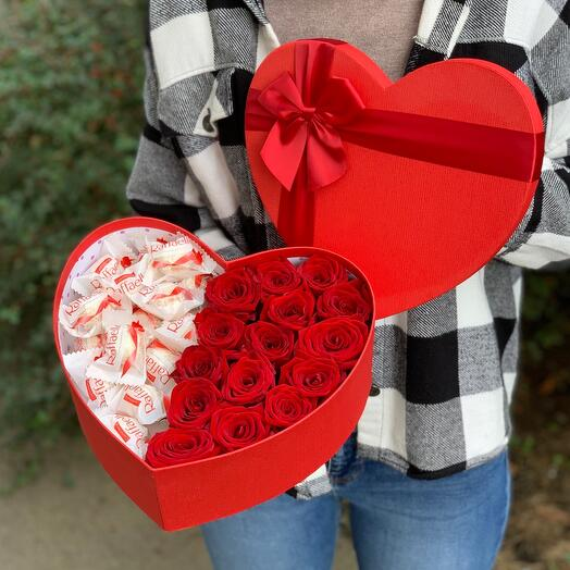 Red roses in a box (heart)