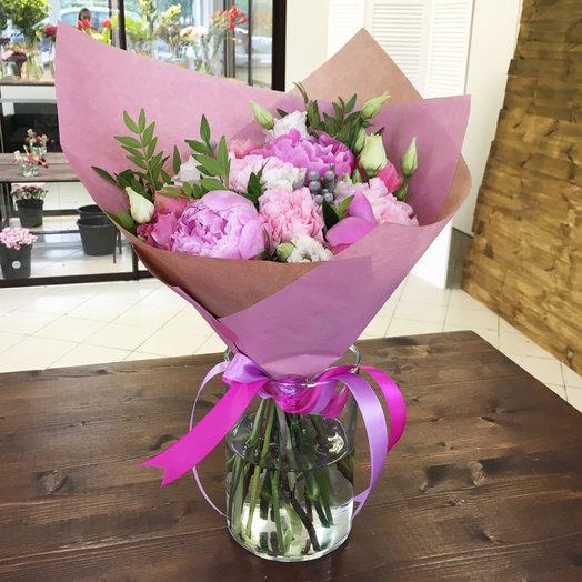 Букет из пионов диантусов лизиантусов тюльпанов и бруний: букеты цветов на заказ Flowwow