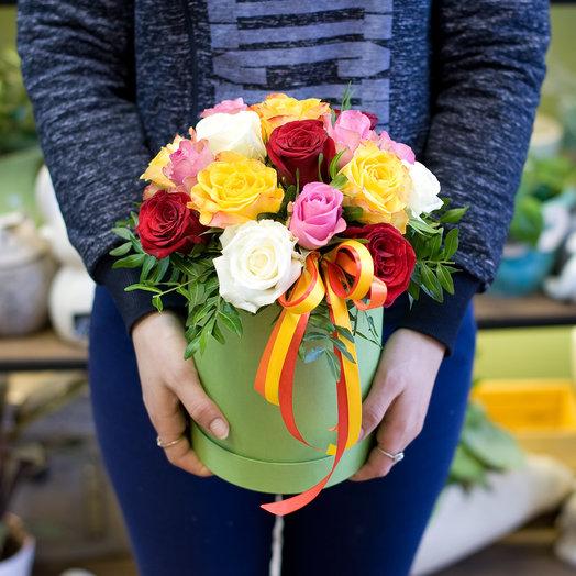 """Коробка с розами """"Взрыв эмоций"""": букеты цветов на заказ Flowwow"""