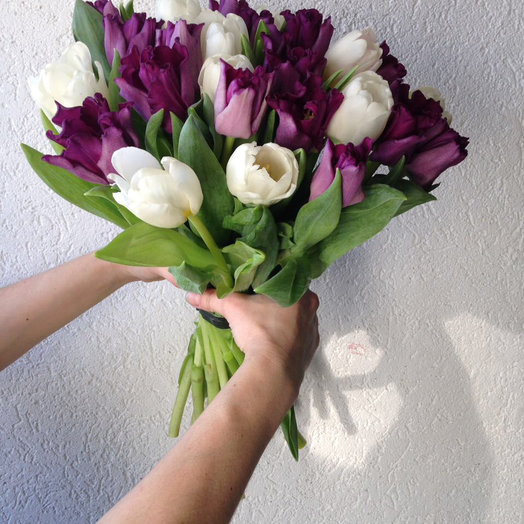 Букет из 51 тюльпана mix: букеты цветов на заказ Flowwow