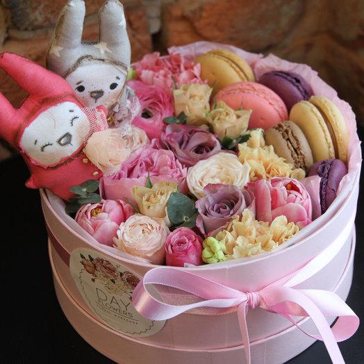 Цветочно-сладкий романтичный подарок: букеты цветов на заказ Flowwow