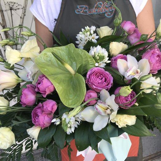 Антуриум и розы: букеты цветов на заказ Flowwow