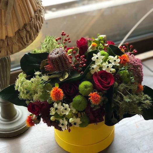 """Цветы в коробке """"Благородный вкус"""""""