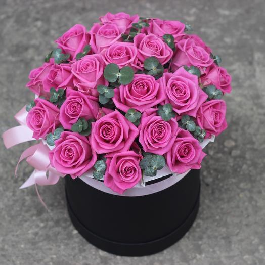 25 розовых роз в коробке: букеты цветов на заказ Flowwow