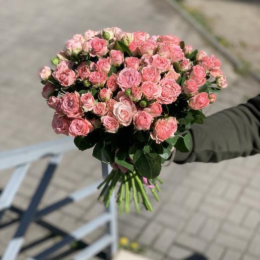 Букет из 31 Пионовидной розы бомбастик
