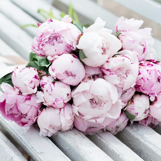 Франция: букеты цветов на заказ Flowwow