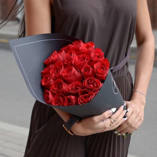 21 красная роза Red Kenya BLVCK