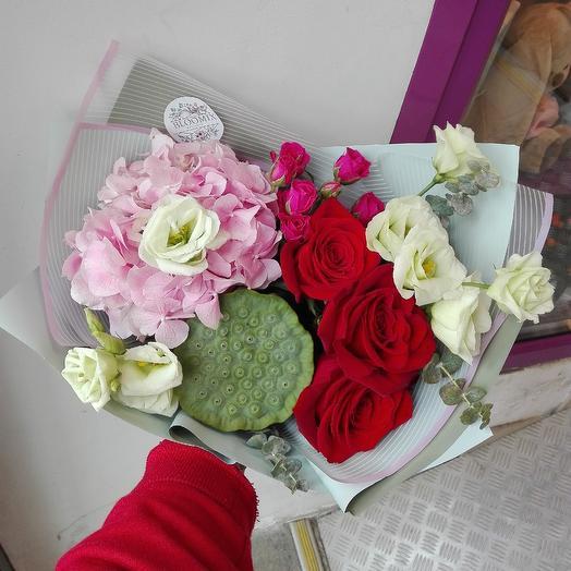 Букет с лотосом: букеты цветов на заказ Flowwow
