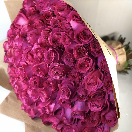 101 Роза фуксия: букеты цветов на заказ Flowwow