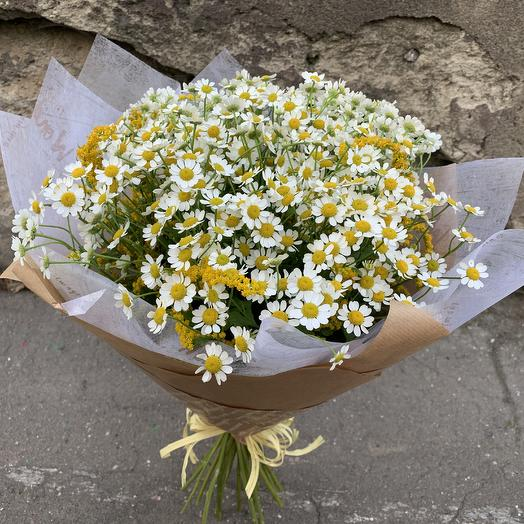 Ромашки в крафте: букеты цветов на заказ Flowwow