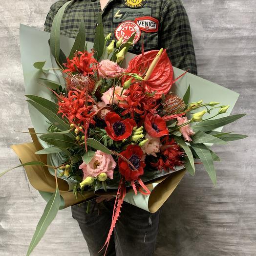 Экзотический  букет с анемонами,банксией и нерине: букеты цветов на заказ Flowwow