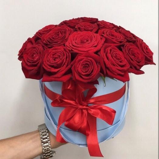 Коробка из красных роз