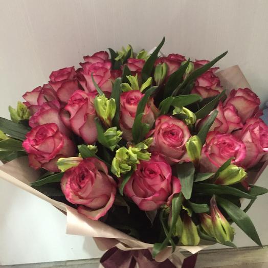 Малиново-лиловые розы