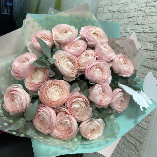 Нежные ранункулюсы для самой любимой: букеты цветов на заказ Flowwow