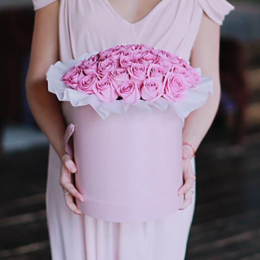Розы Аква в большой шляпной коробке: букеты цветов на заказ Flowwow