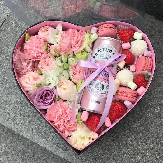 Коробка сердце с розовым лимонадом