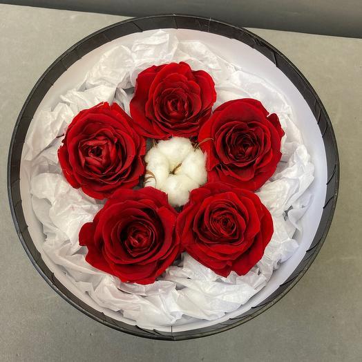 Стабилизированные розы в коробке