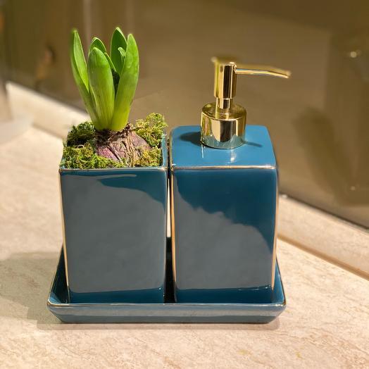 Гиацинт и дозатор для мыла