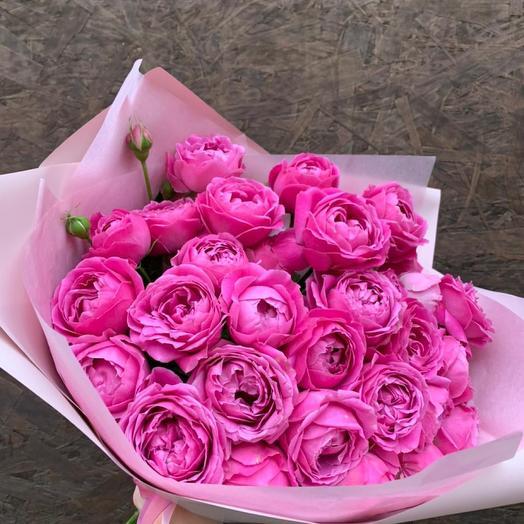 Букет из 11 кустовых пионовидных роз