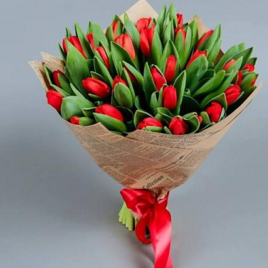 Красные тюльпаны в крафте