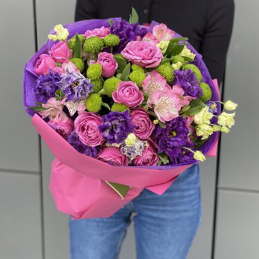 Букет Фуксия из кустовой пионовидной розы, эустомы и филингрина