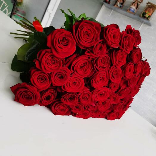 55 красных роз (80см)
