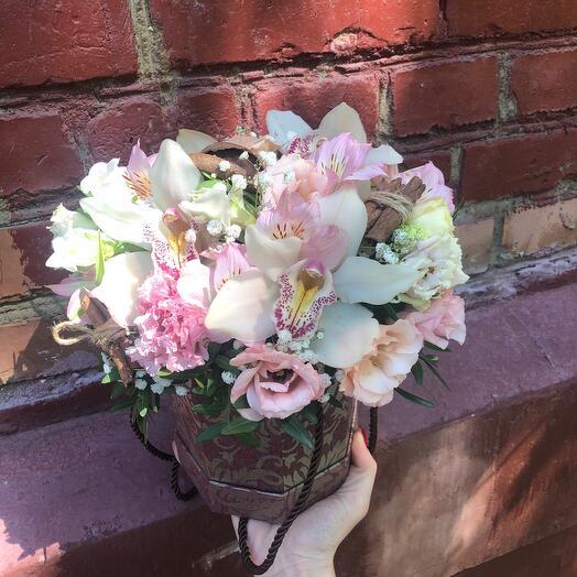 Композиция с орхидеями