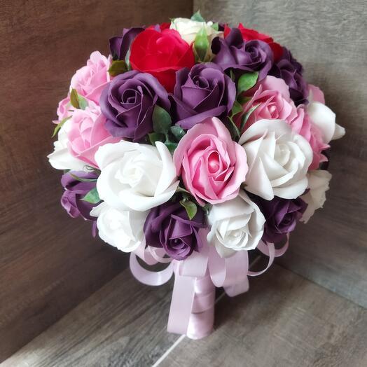 Свадебный букет из мыла розы