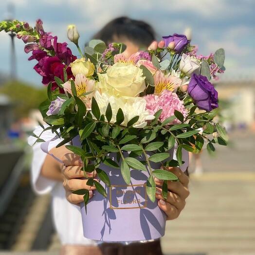 Цветы в коробке «Лилиан»
