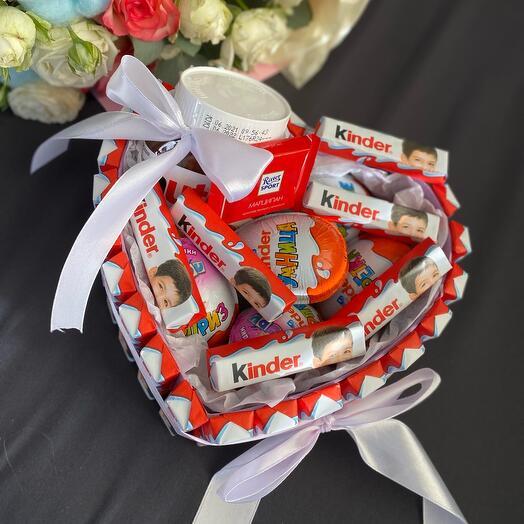 Тортик сердце из конфет