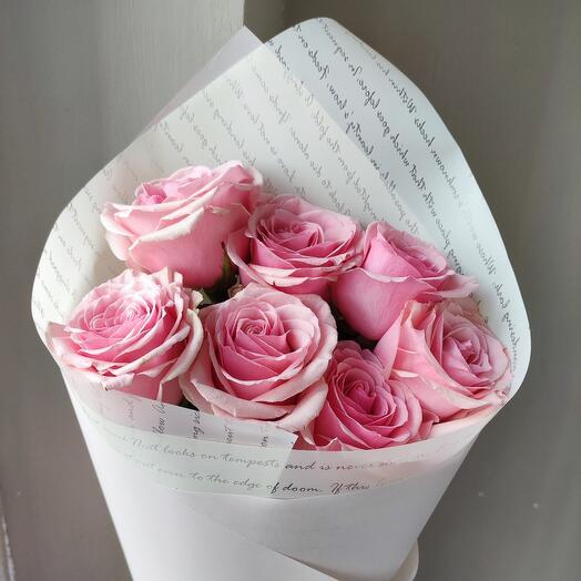 7 роз в оформлении Джералдина