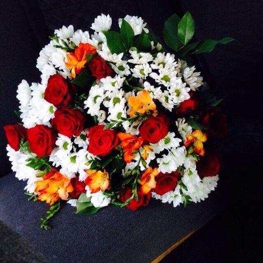 Букет Зимнее солнце: букеты цветов на заказ Flowwow