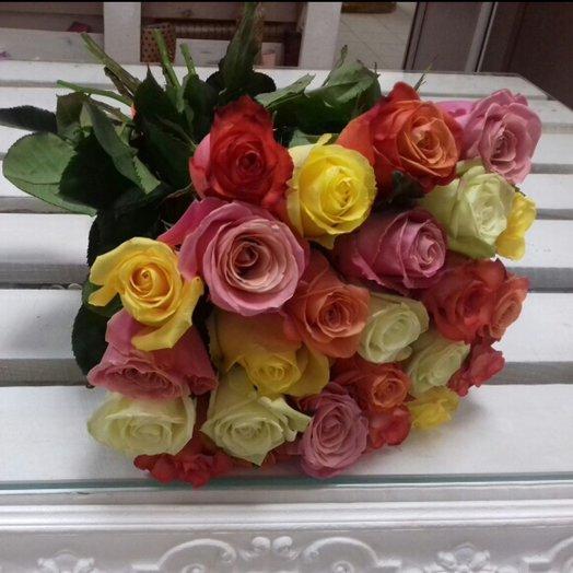 25 разноцветных роз: букеты цветов на заказ Flowwow