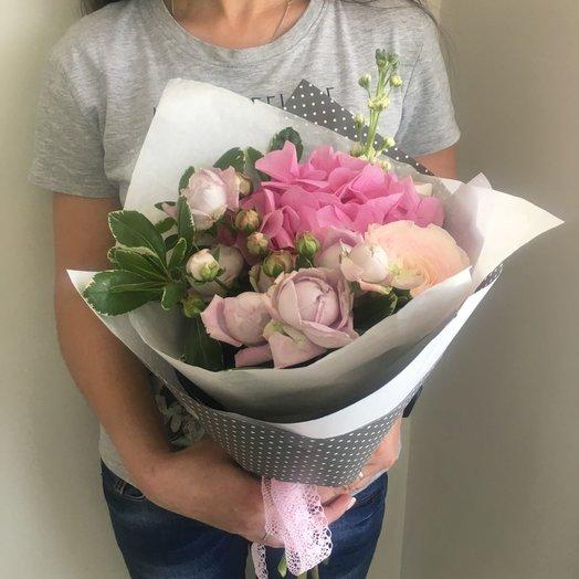 Цветочек в горошек: букеты цветов на заказ Flowwow
