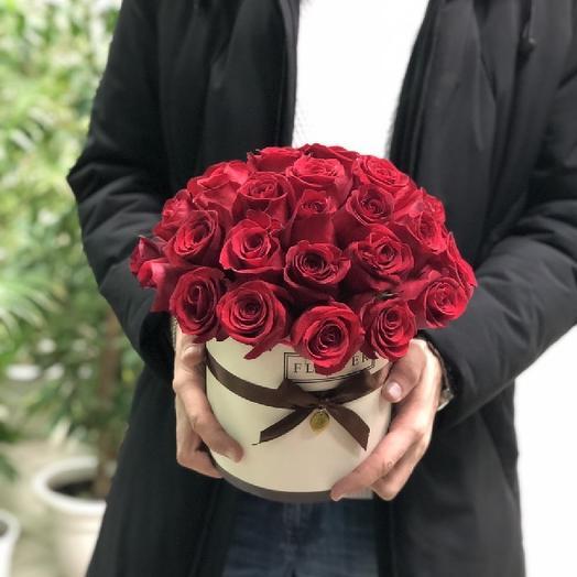 Букет с розами в коробке