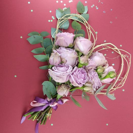 Сердце из пионовидных роз: букеты цветов на заказ Flowwow