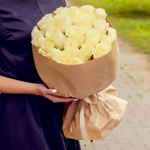 Букет из 25 белых роз (60см)