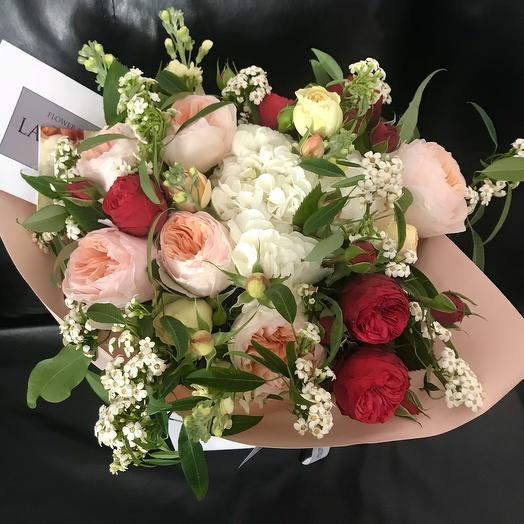 Розы Девида Остина и Белоснежная Гортензия: букеты цветов на заказ Flowwow