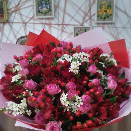 "Букет ""Огни Москвы"": букеты цветов на заказ Flowwow"