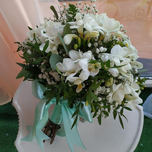 Свадебный букет из фрезии 👰💐: букеты цветов на заказ Flowwow
