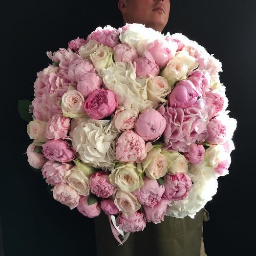 Букет из пионов и пионовидных роз: букеты цветов на заказ Flowwow